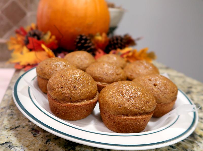 krusteaz-pumpkin-spice-muffins-on-platter