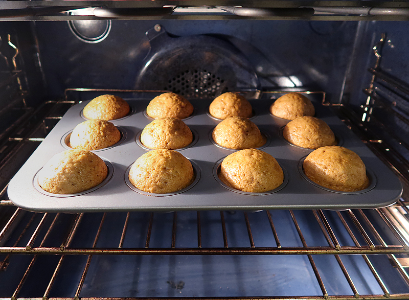 krusteaz-pumpkin-spice-muffins-puffing-up-in-oven