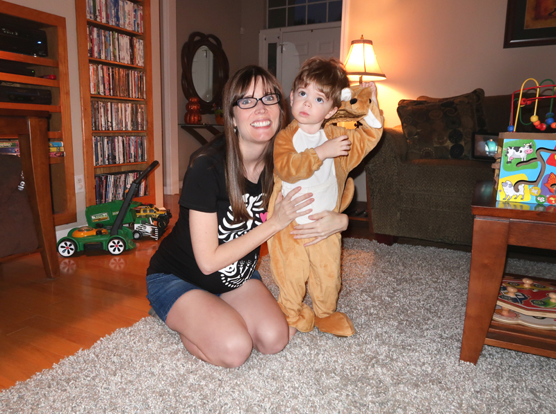 mom-and-toddler-in-kangaroo-costume