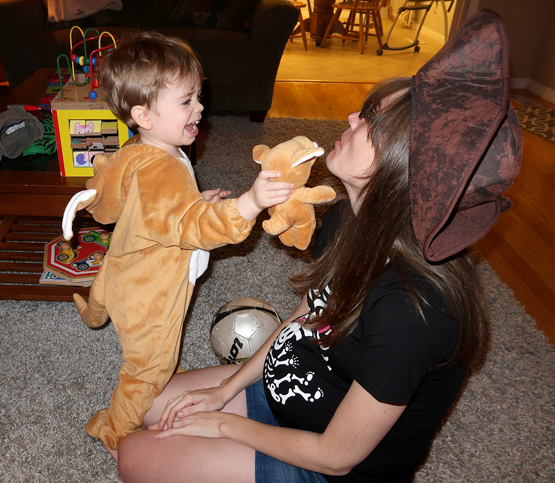 mommy-and-jasper-halloween-02