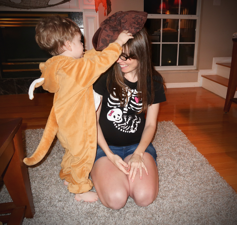 mommy-and-jasper-halloween-91