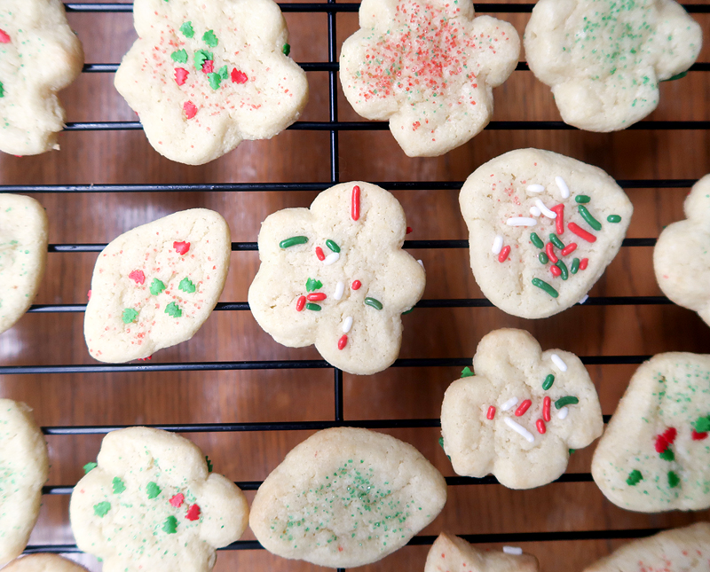 christmas-cookie-decorating-with-toddlers-11