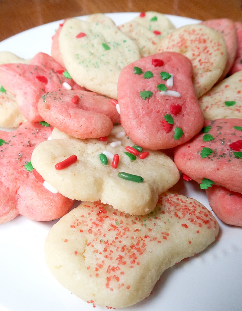christmas-cookie-decorating-with-toddlers-15