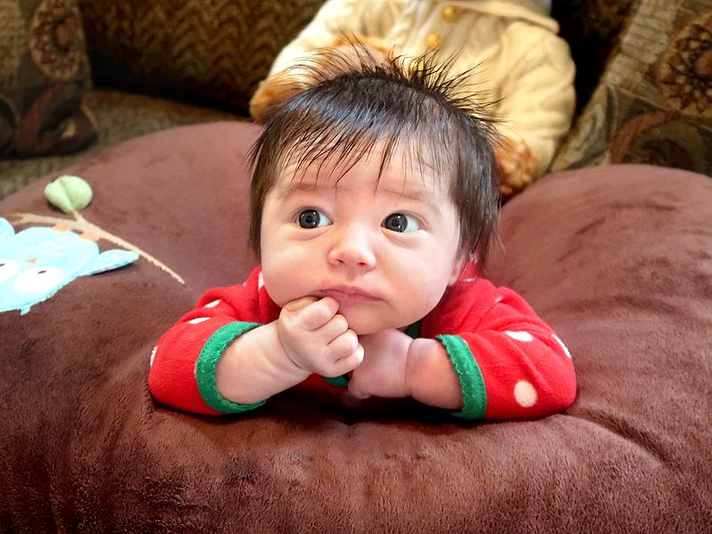 baby-girl-first-christmas