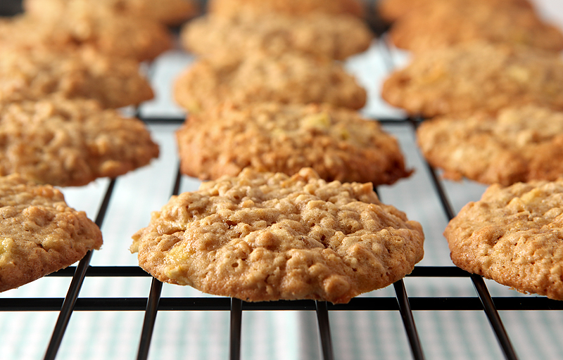 These are sooo soft and chewy!  Caramel apple oatmeal cookies great for fall or anytime, really.