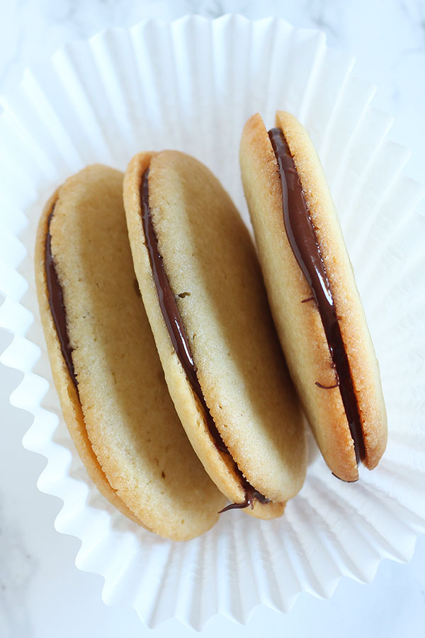 Milano Cookies Copycat Recipe and a huge list of packaged cookie copycat recipes.