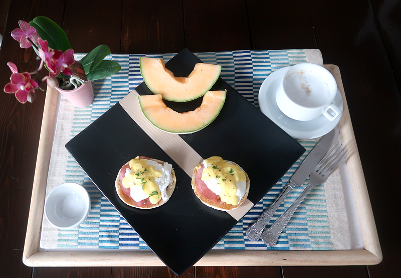 birthday-breakfast-in-bed