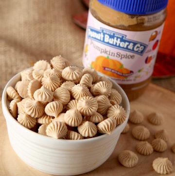 Pumpkin Spice Peanut Butter Frozen Greek Yogurt Bites great snack for kids!
