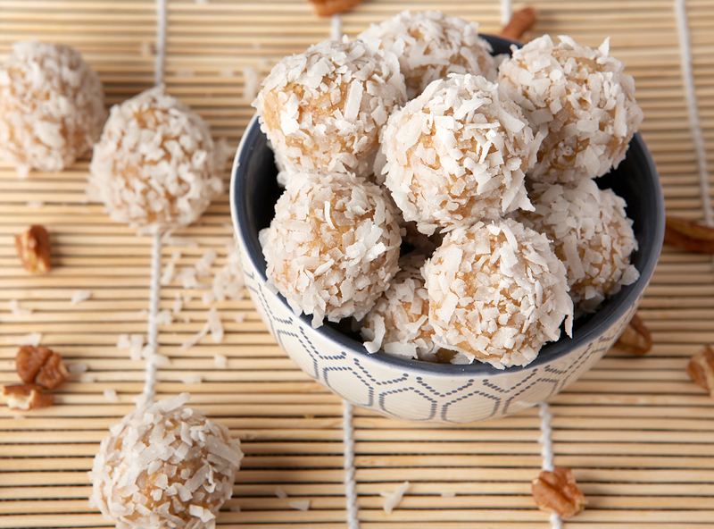Orange Coconut Snowballs - this classic old-fashioned cookie recipe that's sweet and citrusy and so easy to make!