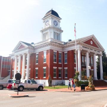 Court House in Downtown Jonesborough