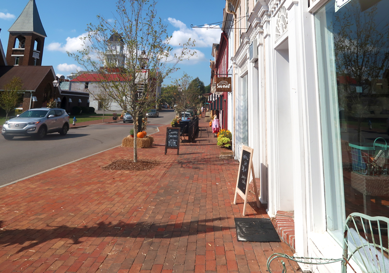 Walk through downtown Jonesborough