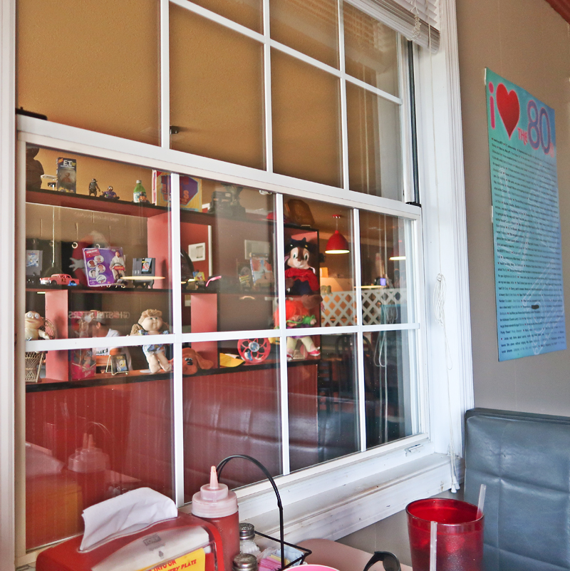 Wendell's diner, 80s theme, harriman tennessee