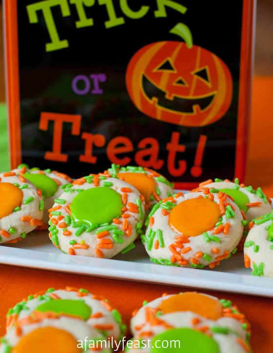 Huge list of easy, adorable, spooky, and scary Halloween cookie ideas!