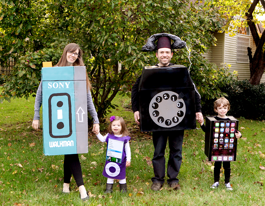2018-family-halloween-costume