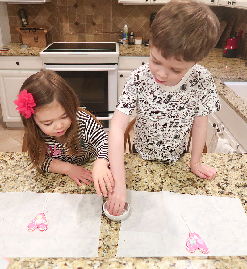 Review of the Valentine's Day February Gramma in a Box!