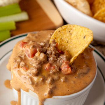 A classic, delicious dip! Cheesy Velveeta melted with taco-seasoned beef and diced chiles and tomatoes. Throw it all in the slow cooker and it's done! Keep it lower carb by dipping with raw veggies and pork rinds!