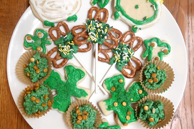 Easy St. Patrick's Day Treats | Gramma in a Box March Review