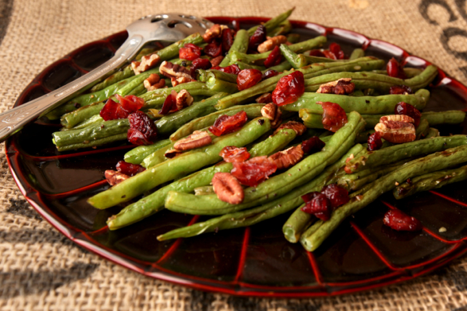 Pecan Cranberry Oven Roasted Green Beans