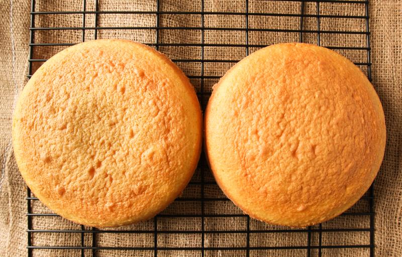 two round cakes
