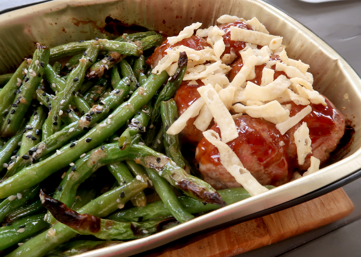 Turkey meatballs and green beans